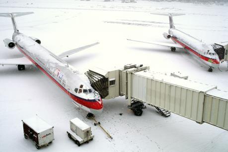Hàng trăm chuyến bay bị hoãn và hủy do thời tiết xấu tại Mỹ