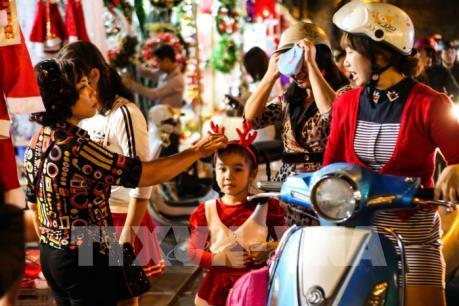 """Lấy ý kiến về dự thảo """"Quy tắc ứng xử nơi công cộng trên địa bàn thành phố Hà Nội"""""""