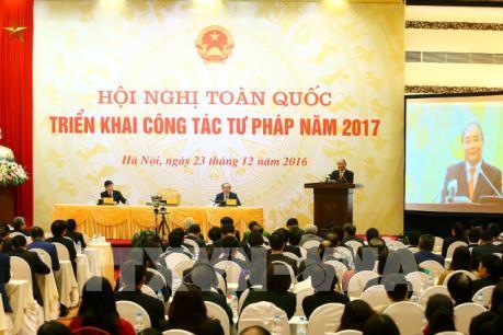 Thủ tướng Nguyễn Xuân Phúc yêu cầu phải tái cơ cấu nội bộ ngành tư pháp