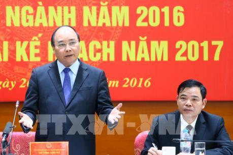 """Thủ tướng Nguyễn Xuân Phúc: Sửa đổi cơ chế đất đai để """"cởi trói"""" cho nông nghiệp"""