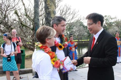 Thừa Thiên - Huế đón vị khách thứ 2,5 triệu đến tham quan khu Di sản Huế