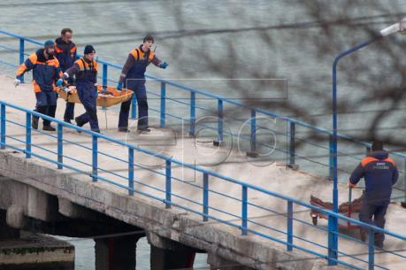 Vụ tai nạn máy bay quân sự Nga: Trục vớt phần thân máy bay
