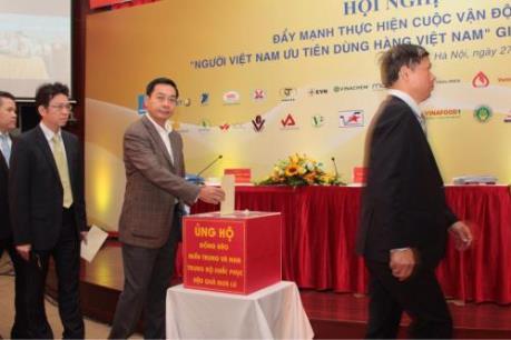 Vietnam Airlines dành 2,1 tỷ đồng ủng hộ miền Trung