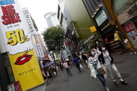 Niềm tin của người tiêu dùng Hàn Quốc xuống mức thấp nhất trong 7 năm rưỡi