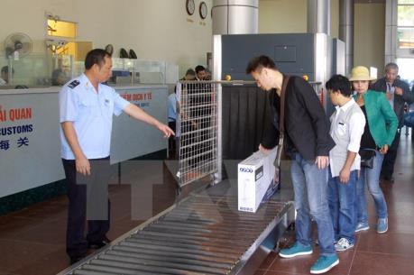 Quy định hoạt động mua bán hàng hóa qua biên giới của thương nhân