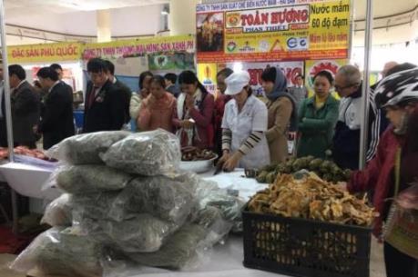 Nhộn nhịp Phiên chợ Nông sản cuối năm