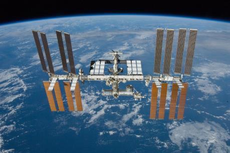 Phi hành đoàn trên ISS đón Năm mới 16 lần