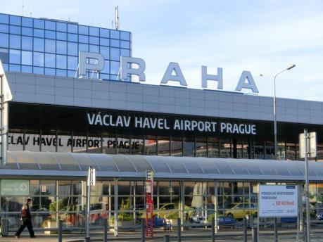 Máy bay hạ cánh khẩn cấp tại Séc do có đe dọa đánh bom
