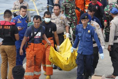 Cháy phà ở Indonesia khiến 60 người thương vong và mất tích