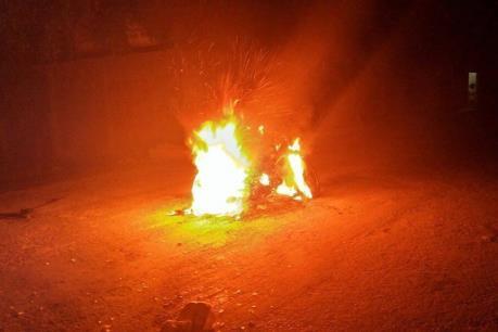 Pháp: Lại xảy ra hiện tượng đốt xe ô tô trong đêm Giao thừa