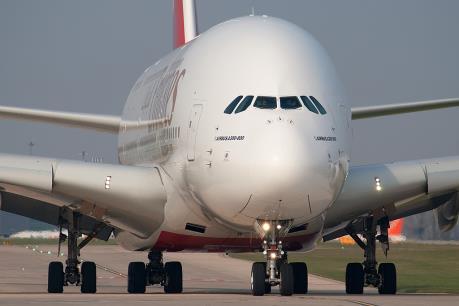 Airbus hoãn bàn giao 12 máy bay A380 cho Hãng hàng không Emirates