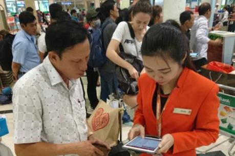 """Lần đầu tiên Việt Nam có dịch vụ check - in """"di động"""" tại sân bay"""