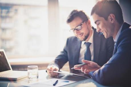 Ấn tượng thu nhập 4 ngày đầu năm của giới lãnh đạo doanh nghiệp tại Anh