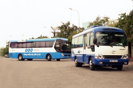 FLC hỗ trợ vận chuyển sinh viên có hoàn cảnh khó khăn về quê đón Tết