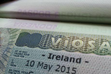 Brexit thôi thúc người Anh tìm kiếm hộ chiếu Ireland