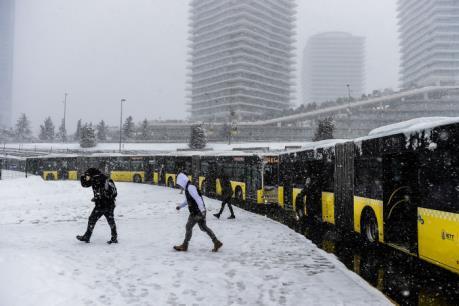 Bão tuyết làm tê liệt thành phố Istanbul (Thổ Nhĩ Kỳ)
