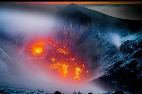 Núi lửa Colima tại Mexico hoạt động mạnh trở lại