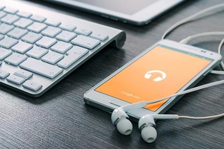 """Dịch vụ nhạc trực tuyến mang lại """"sức bật mới"""" cho ngành công nghiệp âm nhạc"""