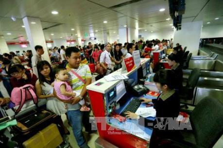 Thứ trưởng Lê Đình Thọ: Bố trí giờ bay đêm, giảm giá cho hành khách