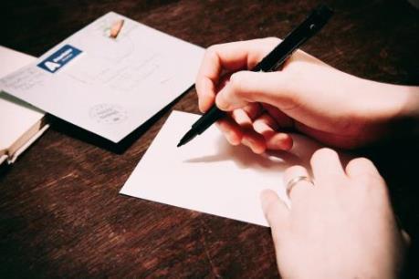 Tham khảo bài mẫu viết thư UPU 46-2017: Tưởng tượng bạn là cố vấn Tổng thư ký LHQ