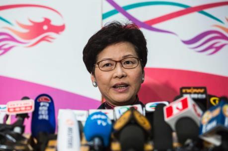Tổng Thư ký chính quyền Đặc khu Hong Kong (Trung Quốc) từ chức