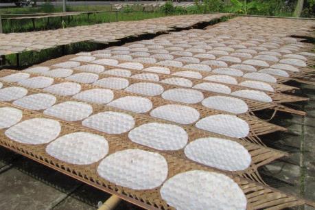Làng bánh tráng Phú Long nhộn nhịp vào Tết