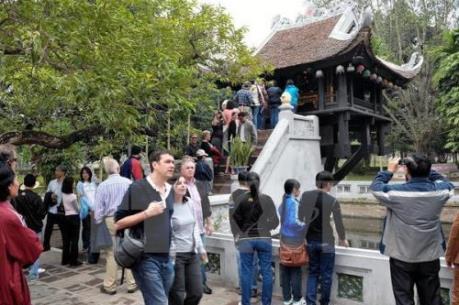 Bộ Chính trị ra Nghị quyết về phát triển du lịch trở thành ngành kinh tế mũi nhọn