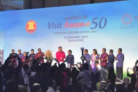 """ASEAN thúc đẩy ngành công nghiệp """"không khói"""""""