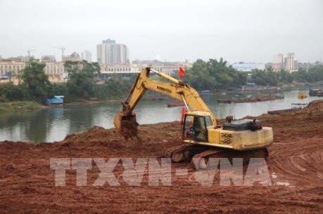 Xây dựng cầu phao tạm biên giới thúc đẩy hoạt động biên mậu Việt - Trung