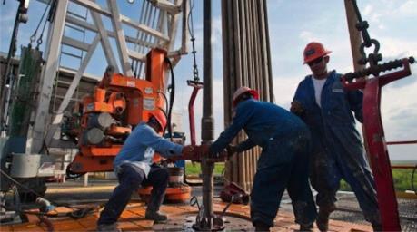 OPEC giảm sản lượng dầu trong tháng 12/2016