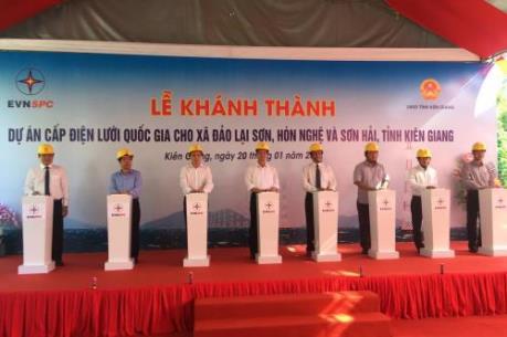 Hơn 3.000 hộ dân các xã đảo ở Kiên Giang có điện lưới Quốc gia đón Tết