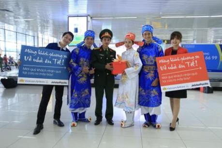 """Vietnam Airlines và Jetstar Pacific """"đón khách phương xa về nhà ăn Tết"""""""