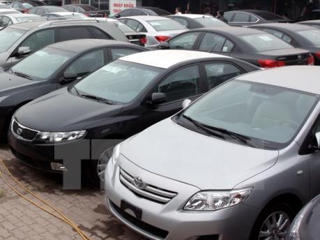 Giá thuê xe ô tô ngày cận Tết cao gấp 3 lần