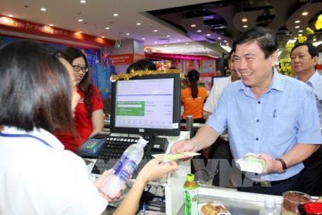 Tp. Hồ Chí Minh giảm mạnh giá hàng hóa cho người thu nhập thấp