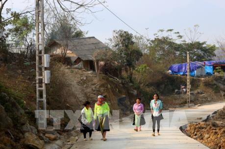 Thái Nguyên đưa điện về các thôn bản