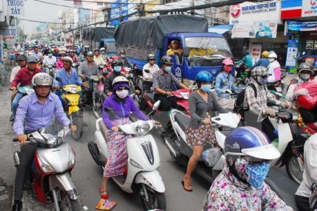 Thành phố Hồ Chí Minh: Không để người dân không kịp về quê ăn Tết