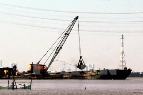 Từ 1/2/2017: Cảng vụ hàng hải, đường thủy được xử phạt vi phạm về môi trường