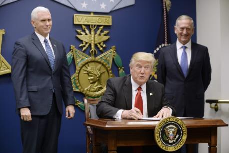 Tân Tổng thống Mỹ ban hành sắc lệnh siết chặt chính sách thị thực