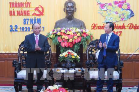 Thủ tướng đến thăm và chúc Tết Đảng bộ, chính quyền và nhân dân Đà Nẵng
