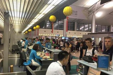 Các hãng hàng không đồng loạt tăng giá vé máy bay
