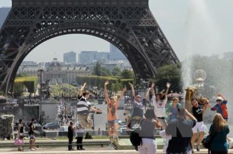 Pháp để lỡ mục tiêu tăng trưởng kinh tế năm 2016