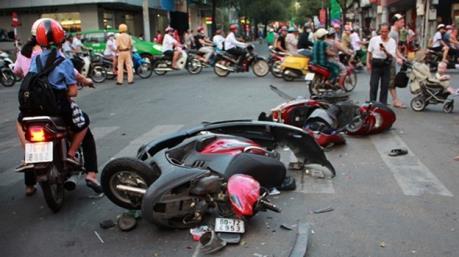 Ngày cuối cùng kỳ nghỉ Tết, 30 người chết vì tai nạn giao thông