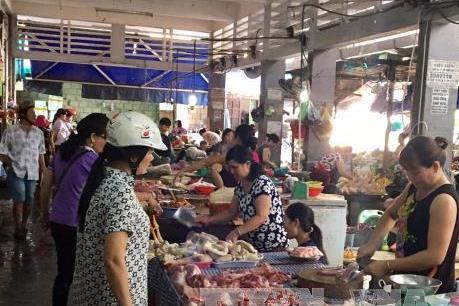 Giá thịt lợn hơi chưa có dấu hiệu phục hồi