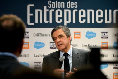 Bầu cử Tổng thống Pháp: Ông Francois Fillon đang chịu sức ép phải rút lui