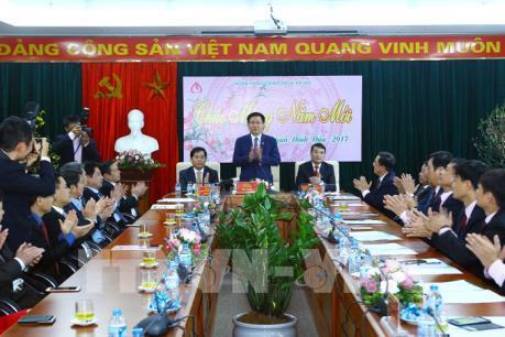 Phó Thủ tướng Vương Đình Huệ thăm Ngân hàng Chính sách Xã hội