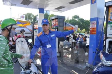 Giá xăng giữ nguyên, giá dầu giảm