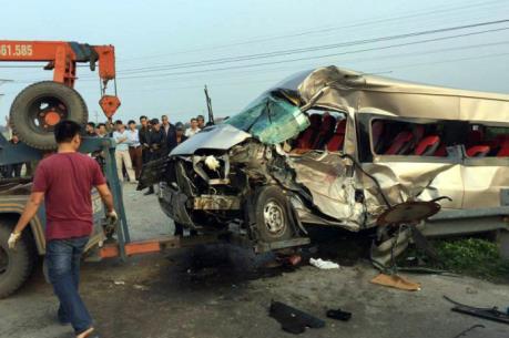 Nam Định: Tai nạn tàu hỏa, 6 người thương vong