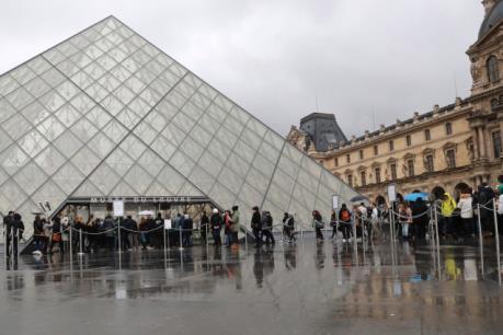 Vụ tấn công ở Viện bảo tàng Louvre: Louvre mở cửa hoạt động trở lại