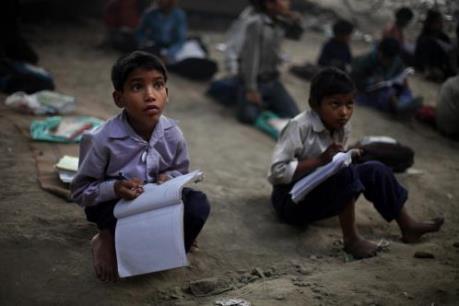 Bài tham khảo viết thư lần UPU 46 năm 2017: Hãy giúp trẻ em nghèo được đến trường