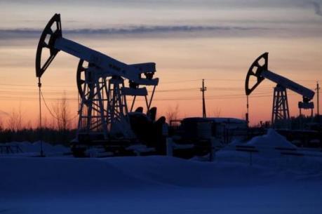 Giá dầu 6/2 tăng do đồng USD yếu